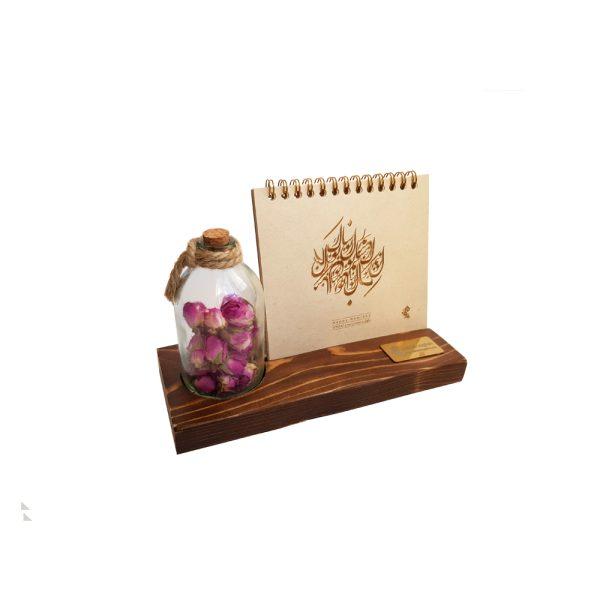 تقویم رومیزی چوبی همراه با رایحه گل سرخ 1